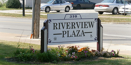 Riverview Plaza sign